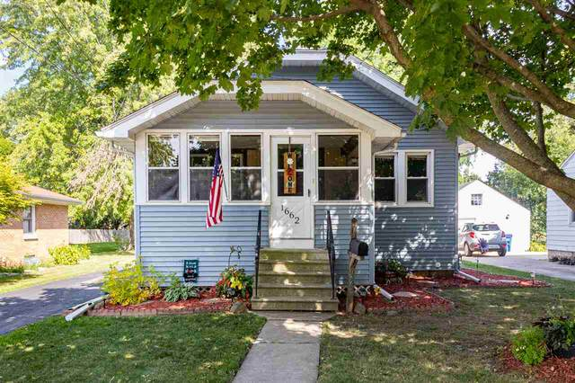 1662 Delaware Street, Oshkosh, WI 54902 (#50227459) :: Ben Bartolazzi Real Estate Inc
