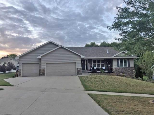 3240 Devroy Lane, Green Bay, WI 54313 (#50227466) :: Carolyn Stark Real Estate Team