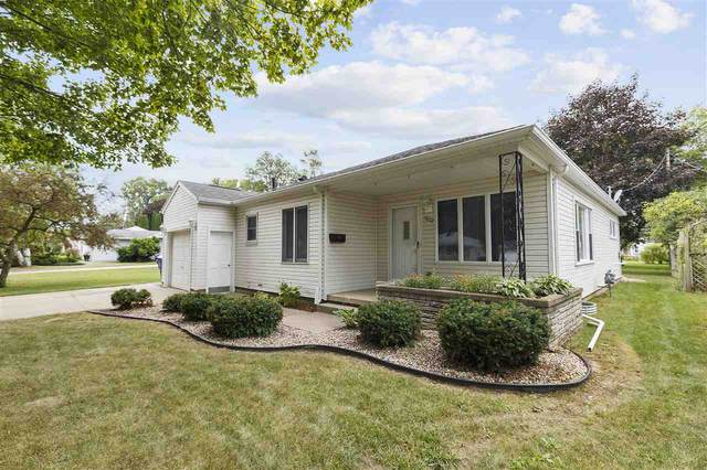 1607 S Walden Avenue, Appleton, WI 54915 (#50227485) :: Todd Wiese Homeselling System, Inc.