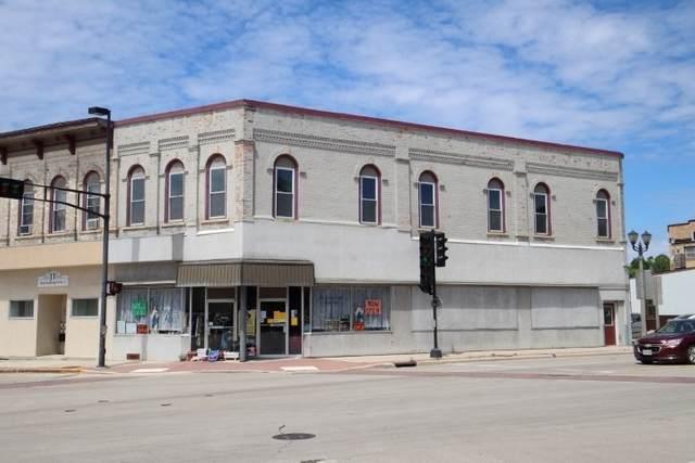 10 W Main Street, Chilton, WI 53014 (#50227495) :: Carolyn Stark Real Estate Team
