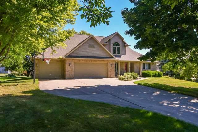 816 Windover Court, Green Bay, WI 54313 (#50227499) :: Carolyn Stark Real Estate Team