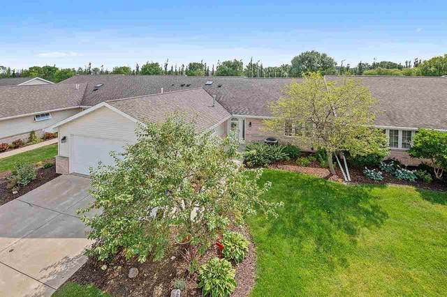 1567 River Pines Drive, Green Bay, WI 54311 (#50227727) :: Todd Wiese Homeselling System, Inc.