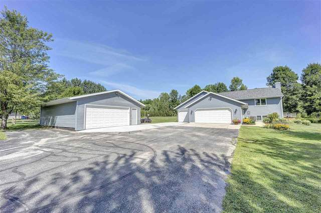 4622 Geano Beach Road, Little Suamico, WI 54141 (#50227972) :: Symes Realty, LLC