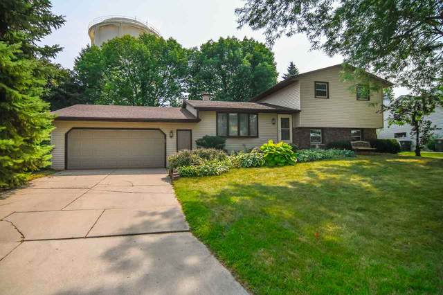 2911 Vercauteren Drive, Green Bay, WI 54313 (#50228144) :: Todd Wiese Homeselling System, Inc.