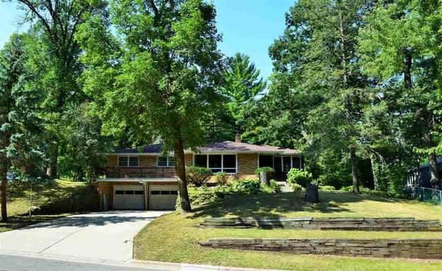 653 St James Circle, Green Bay, WI 54311 (#50228160) :: Symes Realty, LLC