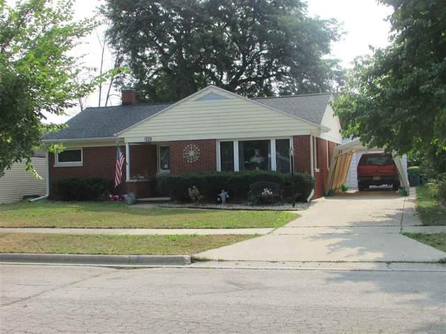 414 Royal Boulevard, Green Bay, WI 54303 (#50228196) :: Carolyn Stark Real Estate Team