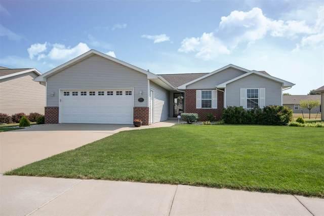 2524 Marathon Avenue, Neenah, WI 54956 (#50228292) :: Carolyn Stark Real Estate Team