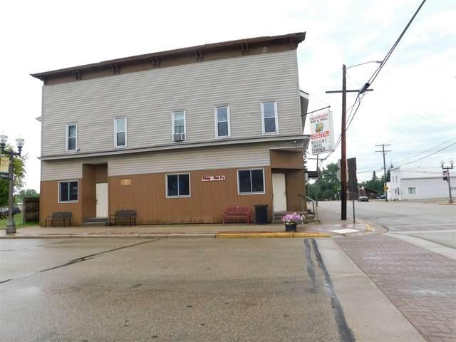 300 Cedar Street, Tigerton, WI 54486 (#50228672) :: Ben Bartolazzi Real Estate Inc