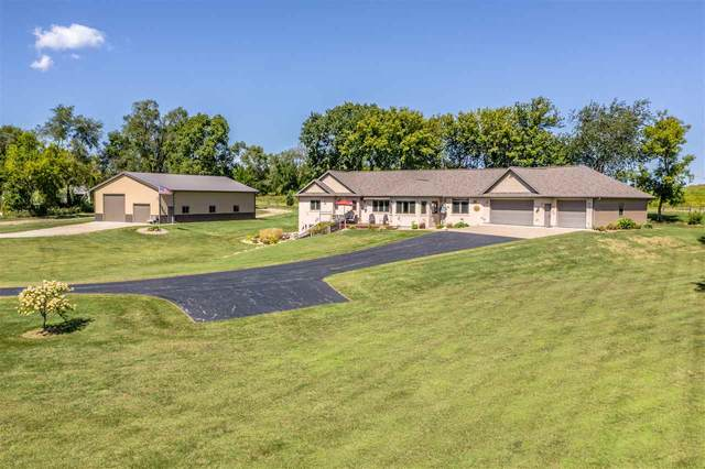 W9548 Cloverleaf Road, Hortonville, WI 54944 (#50228723) :: Carolyn Stark Real Estate Team