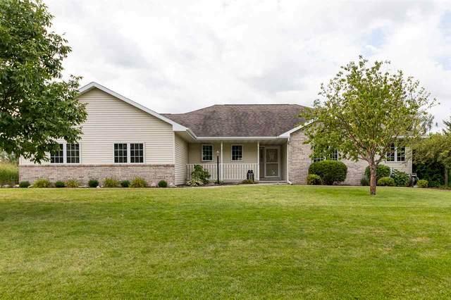 2395 Roselawn Lane, Oshkosh, WI 54904 (#50228883) :: Carolyn Stark Real Estate Team
