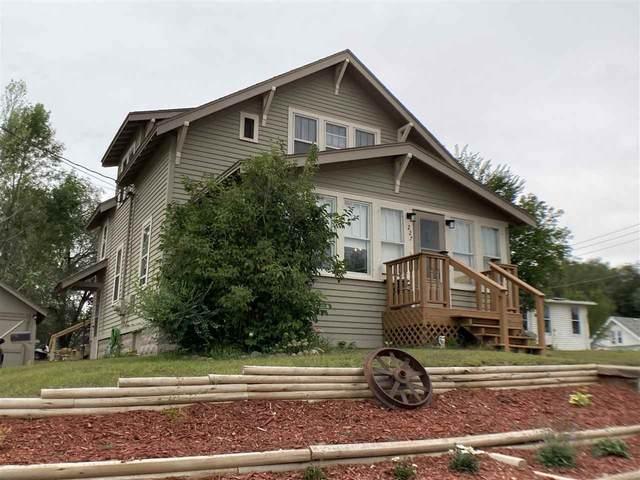 227 E Richmond Street, Shawano, WI 54166 (#50228924) :: Carolyn Stark Real Estate Team