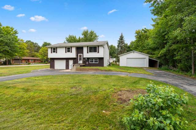 1540 Woodsdale Avenue, Suamico, WI 54173 (#50229040) :: Town & Country Real Estate