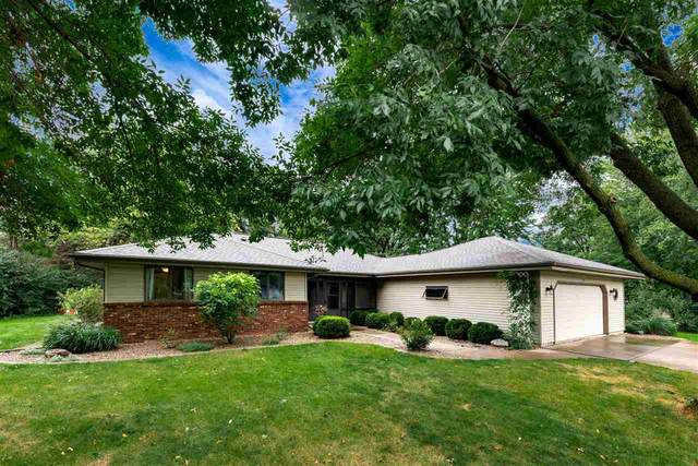 257 Oak Manor Drive, Oshkosh, WI 54904 (#50229071) :: Ben Bartolazzi Real Estate Inc