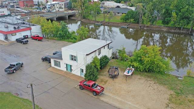 117 E South Water Street, New London, WI 54961 (#50229073) :: Dallaire Realty