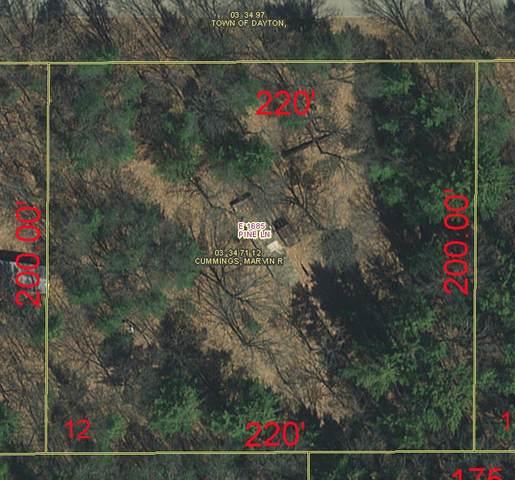 E1685 Pine Lane, Waupaca, WI 54981 (#50229096) :: Carolyn Stark Real Estate Team