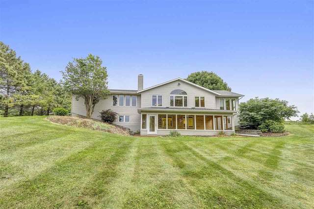 E831 County Line Road, Luxemburg, WI 54217 (#50229126) :: Town & Country Real Estate