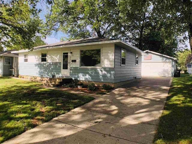 1211 S Smalley Street, Shawano, WI 54166 (#50229134) :: Carolyn Stark Real Estate Team
