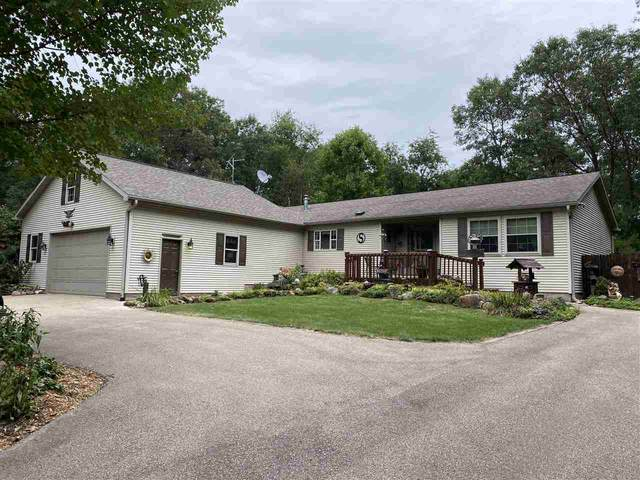 N7130 Cozy Oaks Circle, Shawano, WI 54166 (#50229139) :: Todd Wiese Homeselling System, Inc.