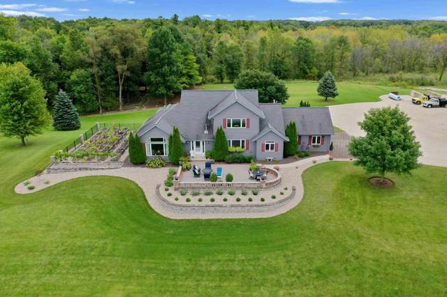 755 Hwy S, Manitowoc, WI 54220 (#50229214) :: Town & Country Real Estate