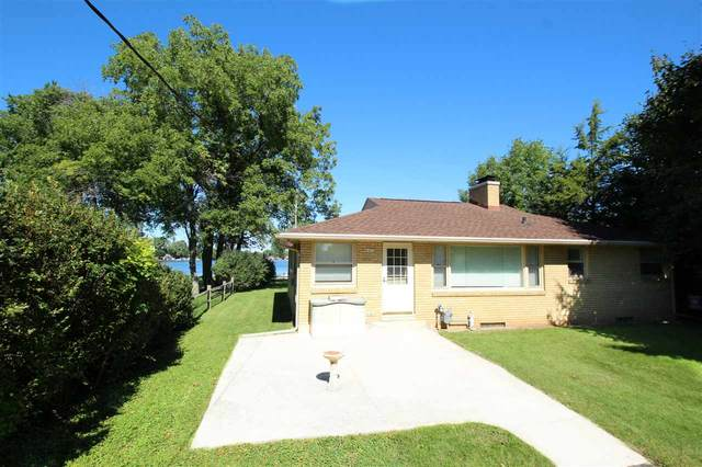 6421 E Decorah Avenue, Oshkosh, WI 54902 (#50229231) :: Symes Realty, LLC