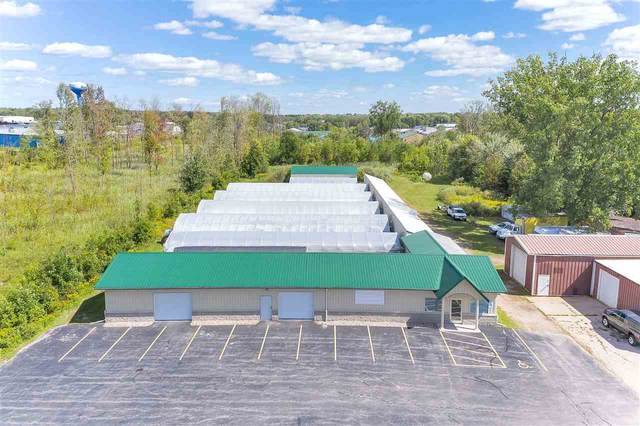4040 Velp Avenue, Green Bay, WI 54313 (#50229241) :: Todd Wiese Homeselling System, Inc.