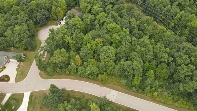 924 Thomas Trail, Waupaca, WI 54981 (#50229314) :: Ben Bartolazzi Real Estate Inc