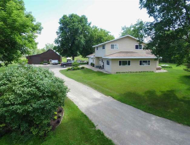531 Brown Road, Suamico, WI 54173 (#50229337) :: Town & Country Real Estate