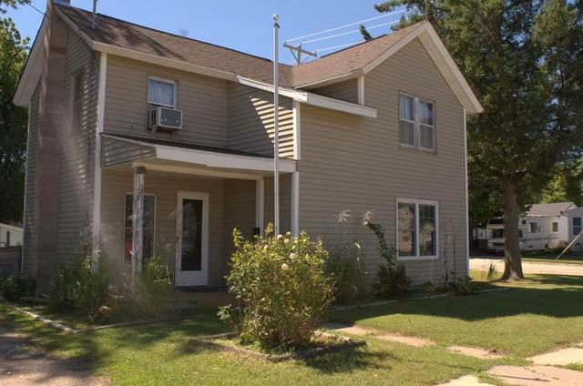 19 W 3RD Street, Clintonville, WI 54929 (#50229358) :: Carolyn Stark Real Estate Team