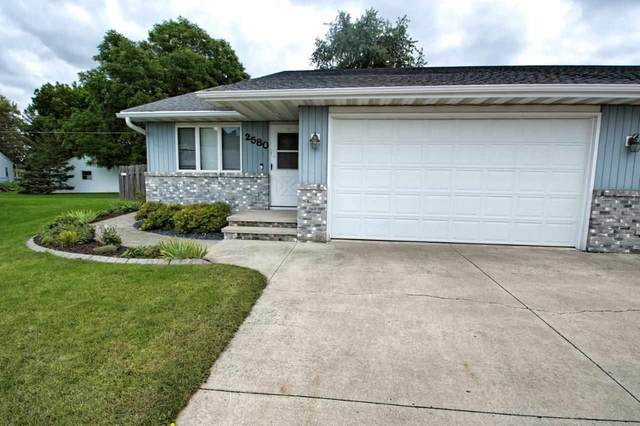 2580 W Parkmoor Court, Appleton, WI 54914 (#50229384) :: Dallaire Realty