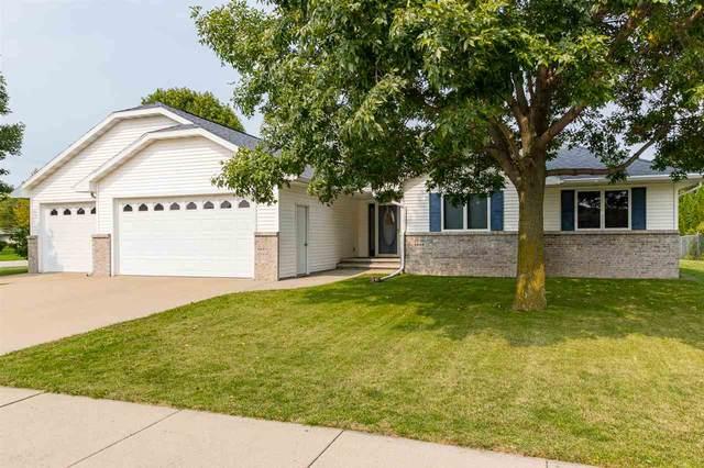 1340 W Henry Street, Kaukauna, WI 54130 (#50229395) :: Carolyn Stark Real Estate Team
