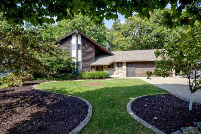 130 Crestview Drive, Appleton, WI 54915 (#50229401) :: Dallaire Realty