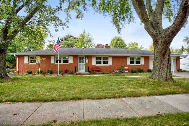 53 S Meadows Drive, Appleton, WI 54915 (#50229406) :: Dallaire Realty
