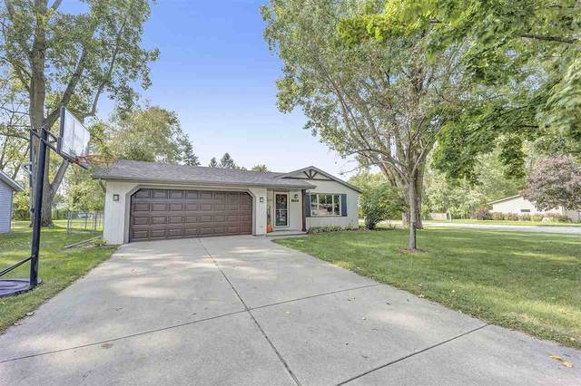 1318 Sandhill Drive, Green Bay, WI 54313 (#50229410) :: Symes Realty, LLC