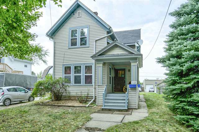 1026 W Lawrence Street, Appleton, WI 54914 (#50229425) :: Dallaire Realty