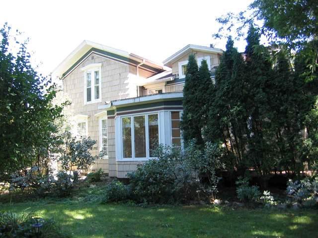 737 W Prospect Avenue, Appleton, WI 54915 (#50229436) :: Dallaire Realty