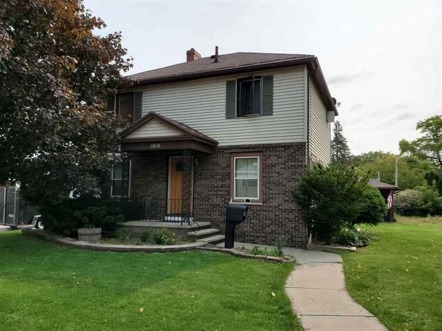 1010 Lawe Street, Kaukauna, WI 54130 (#50229438) :: Carolyn Stark Real Estate Team