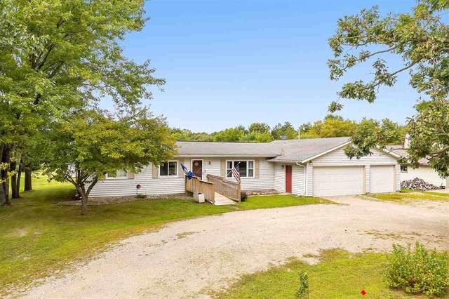 N2949 Pryse Drive, Waupaca, WI 54981 (#50229468) :: Ben Bartolazzi Real Estate Inc