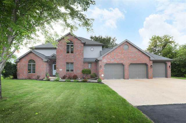 1290 Symphony Boulevard, Neenah, WI 54956 (#50229480) :: Dallaire Realty