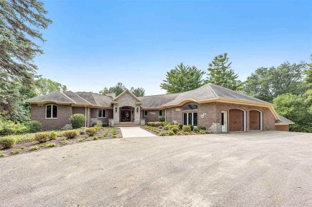 3139 Fairview Road, Suamico, WI 54313 (#50229518) :: Dallaire Realty