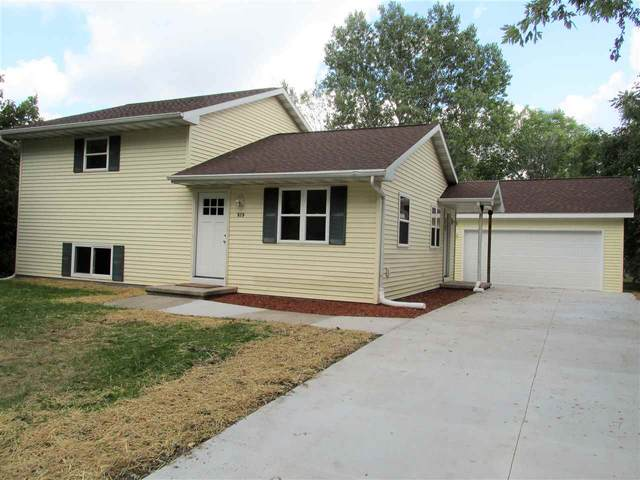 929 Strohmeyer Court, Neenah, WI 54956 (#50229544) :: Dallaire Realty