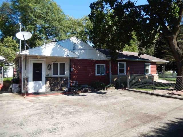 N7451 Lakeshore Drive, Fond Du Lac, WI 54937 (#50229600) :: Ben Bartolazzi Real Estate Inc