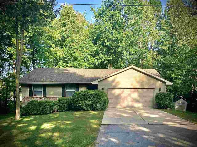 3050 Idlewild Road, Suamico, WI 54173 (#50229615) :: Town & Country Real Estate
