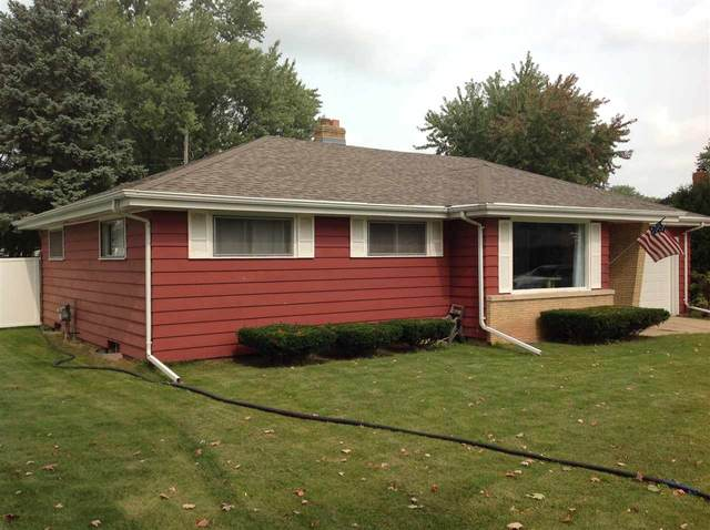920 W Roberts Avenue, Appleton, WI 54914 (#50229635) :: Todd Wiese Homeselling System, Inc.