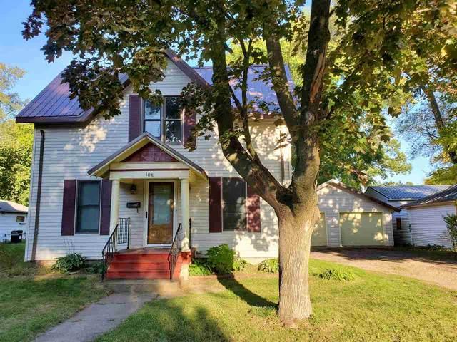 108 Maple Street, Waupaca, WI 54981 (#50229649) :: Carolyn Stark Real Estate Team