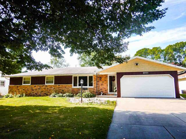 1633 Orchid Lane, Green Bay, WI 54313 (#50229661) :: Todd Wiese Homeselling System, Inc.