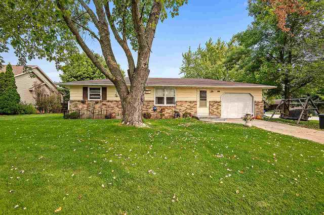 1620 Ponderosa Avenue, Green Bay, WI 54313 (#50229681) :: Todd Wiese Homeselling System, Inc.