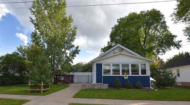 1019 Tyler Avenue, Oshkosh, WI 54902 (#50229691) :: Todd Wiese Homeselling System, Inc.
