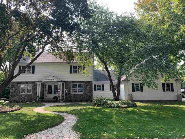 571 Riford Road, Neenah, WI 54956 (#50229786) :: Dallaire Realty