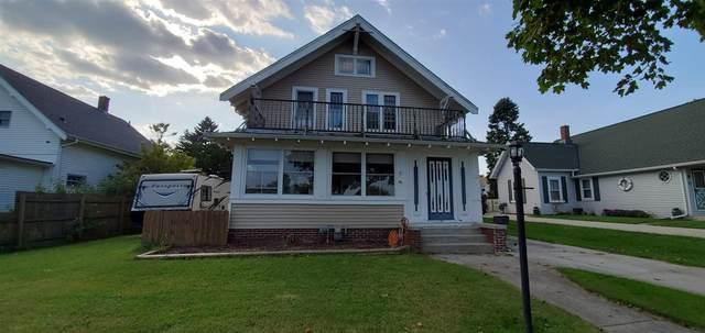 1118 S Lake Street, Manitowoc, WI 54220 (#50229908) :: Ben Bartolazzi Real Estate Inc