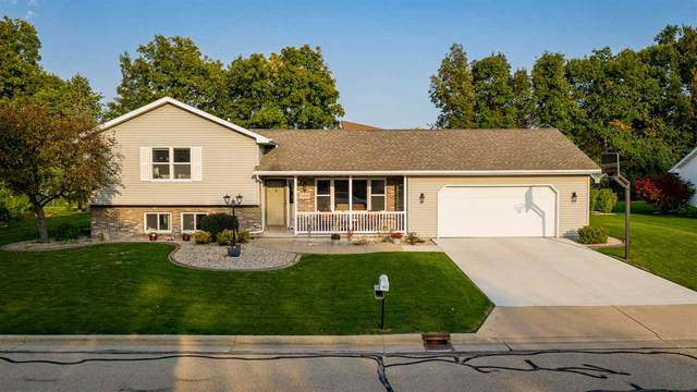 1430 Baytree Lane, Neenah, WI 54956 (#50229909) :: Dallaire Realty